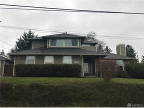 Property for sale at 720 S 208th St, Des Moines,  WA 98198