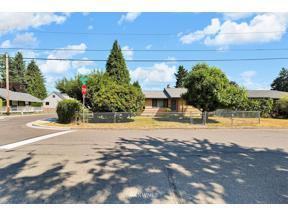 Property for sale at 1101 12th Street NE, Auburn,  WA 98002