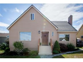 Property for sale at 224 57th St, Tacoma,  WA 98408