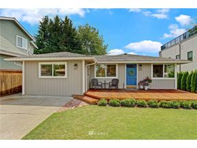 Property for sale at 1205 N 33rd Place, Renton,  WA 98056
