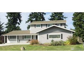 Property for sale at 2922 SW 314th St, Federal Way,  WA 98023