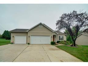 Property for sale at 812 Vista Ridge Dr, Mount Horeb,  Wisconsin 53572