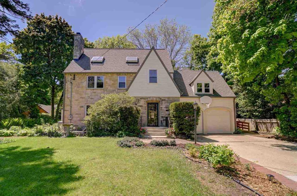 1244 Wellesley Rd Shorewood Hills WI 53705