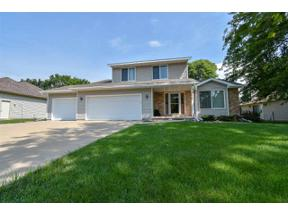 Property for sale at 1908 Buckingham Rd, Stoughton,  Wisconsin 53589