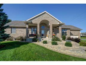 Property for sale at 536 Vanderbilt Dr, Waunakee,  Wisconsin 53597