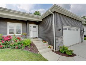 Property for sale at 329 Whitetail Way, Deerfield,  Wisconsin 53531