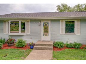 Property for sale at 609 Birchwood Tr, Mount Horeb,  Wisconsin 53572