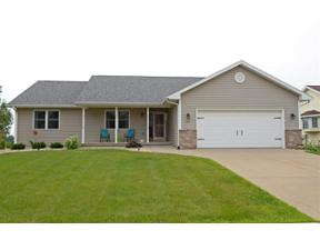 Property for sale at 517 Glacier Tr, Mount Horeb,  Wisconsin 53572