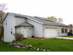 Property for sale at 1642 Oconto Dr/809 Clarmar Dr, Sun Prairie,  Wisconsin 53590