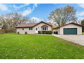 Property for sale at 4408 Vilas Rd, Cottage Grove,  Wisconsin 53527