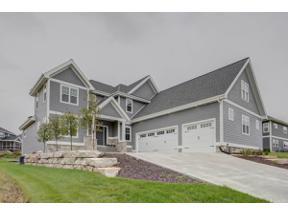 Property for sale at 329 Oakwood Dr, Oregon,  Wisconsin 53575