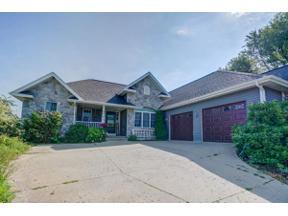 Property for sale at 316 Tvedt Dr, Mount Horeb,  Wisconsin 53572