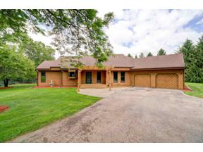 Property for sale at 5098 Sunrise Ridge Tr, Springfield,  Wisconsin 53562