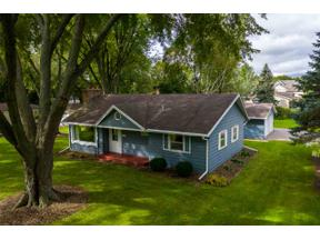 Property for sale at 306 Estate Ln, Stoughton,  Wisconsin 53589