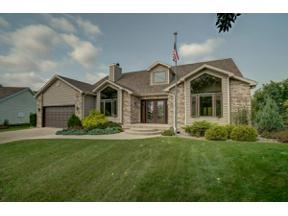 Property for sale at 610 Wellington Cir, Sun Prairie,  Wisconsin 53590