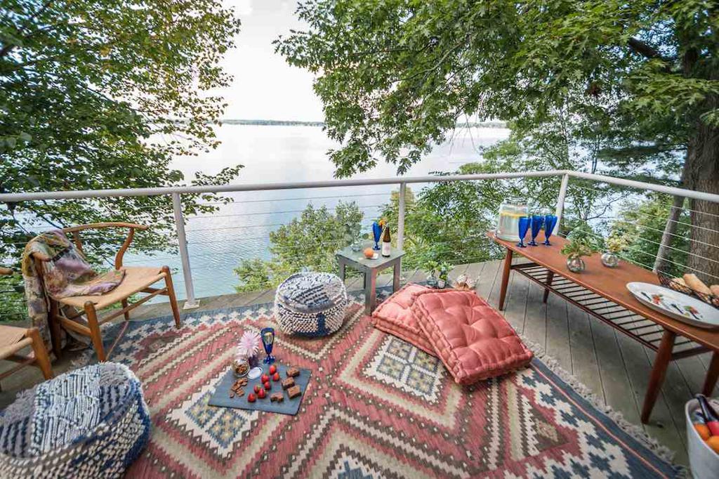 3506 Lake Mendota Dr Shorewood Hills WI 53705