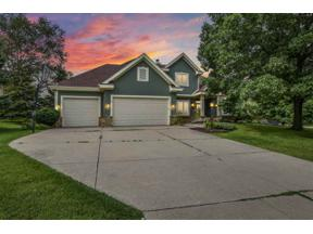 Property for sale at 5815 Windsona Cir, Fitchburg,  Wisconsin 53711