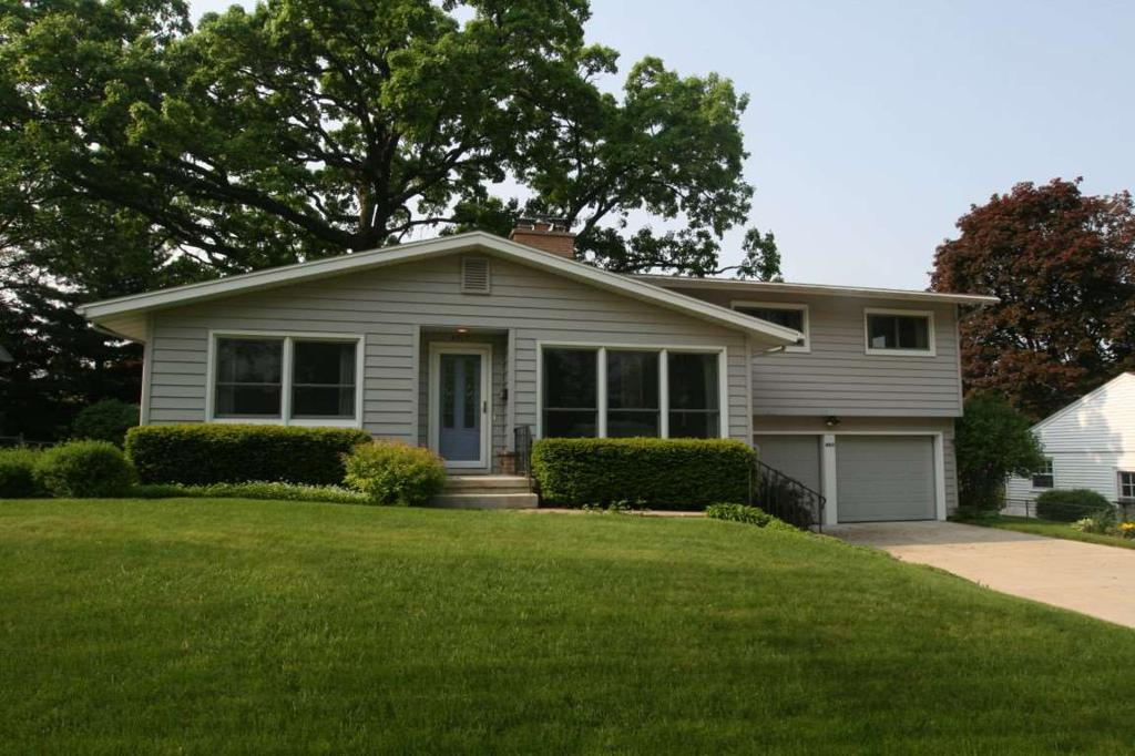 4917 Holiday Dr Madison WI 53711
