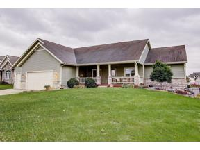 Property for sale at 402 North Ridge Dr, Waunakee,  Wisconsin 53597