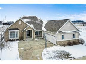 Property for sale at 833 Walter Run, Waunakee,  Wisconsin 53597