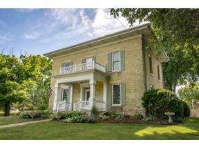 Property for sale at 105 N Copeland Ave, Jefferson,  Wisconsin 53549