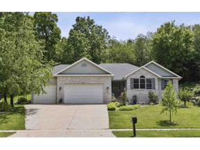 Property for sale at 1301 Kings Lynn Rd, Stoughton,  Wisconsin 53589